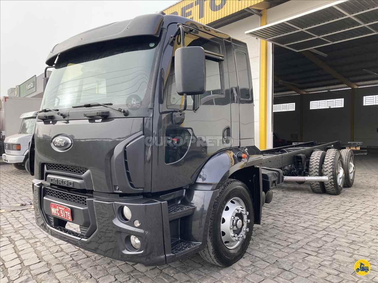 CAMINHAO FORD CARGO 1723 Chassis Truck 6x2 Ouro Preto Caminhões LAGES SANTA CATARINA SC